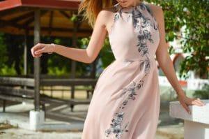 Comment bien choisir une robe pour un mariage?