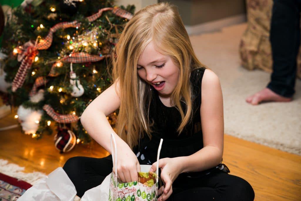 Habiller une fille pour les fêtes