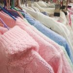 Quels sont les vêtements de naissance indispensables ?