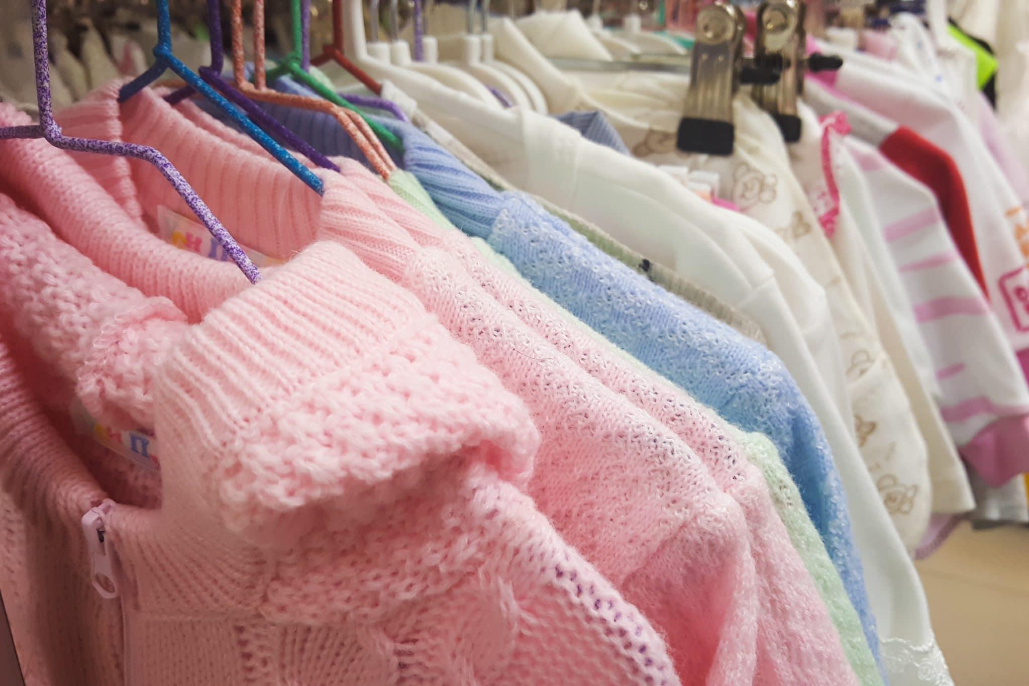 Quels sont les vêtements de naissance indispensable ?