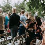 Comment choisir sa tenue d'invité de mariage quand on est âgée ?