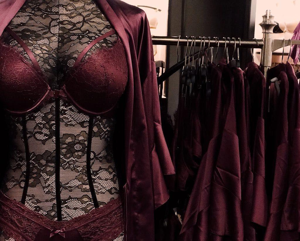 Porter de la lingerie en dentelle pour la Saint-Valentin