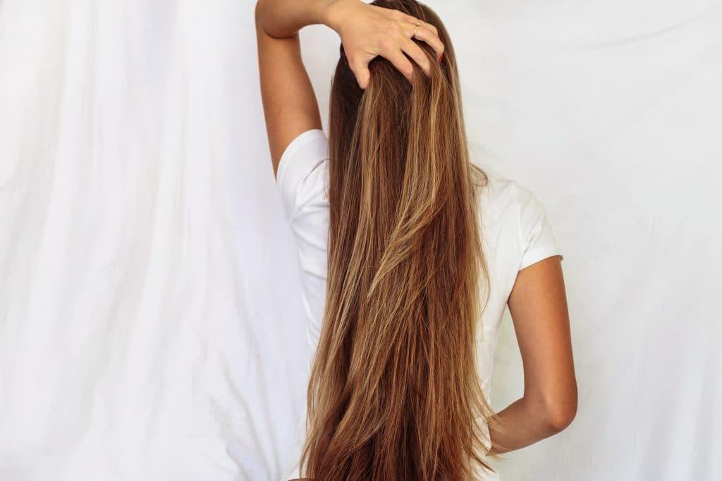 Utiliser la crème à la bave d'escargot pour les cheveux