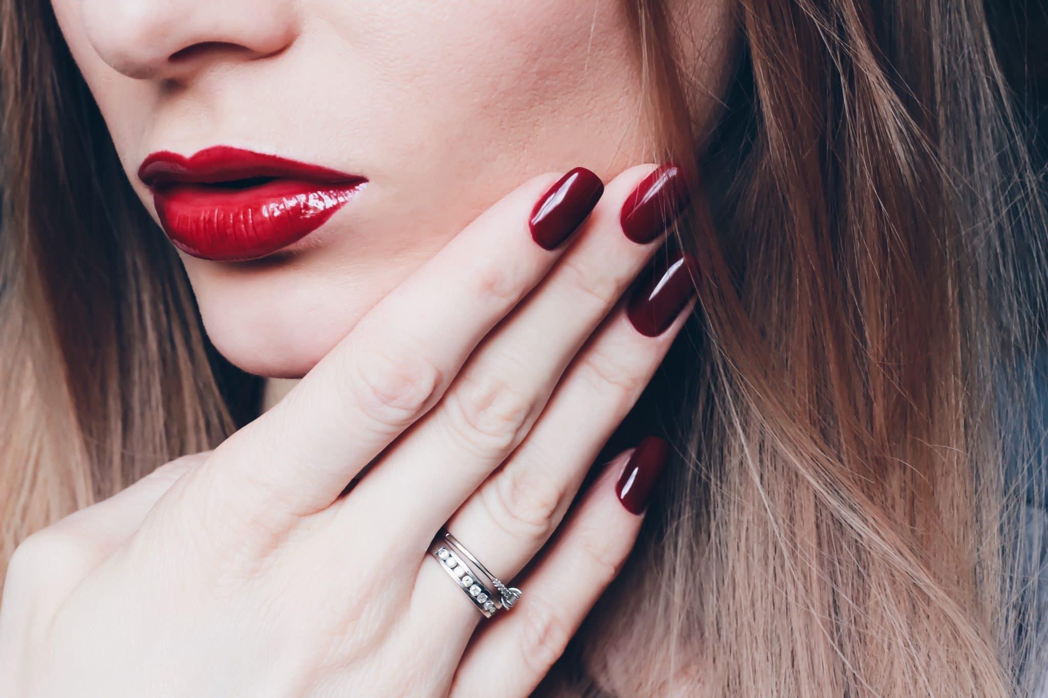 7 astuces pour faire tenir son rouge à lèvres toute la journée