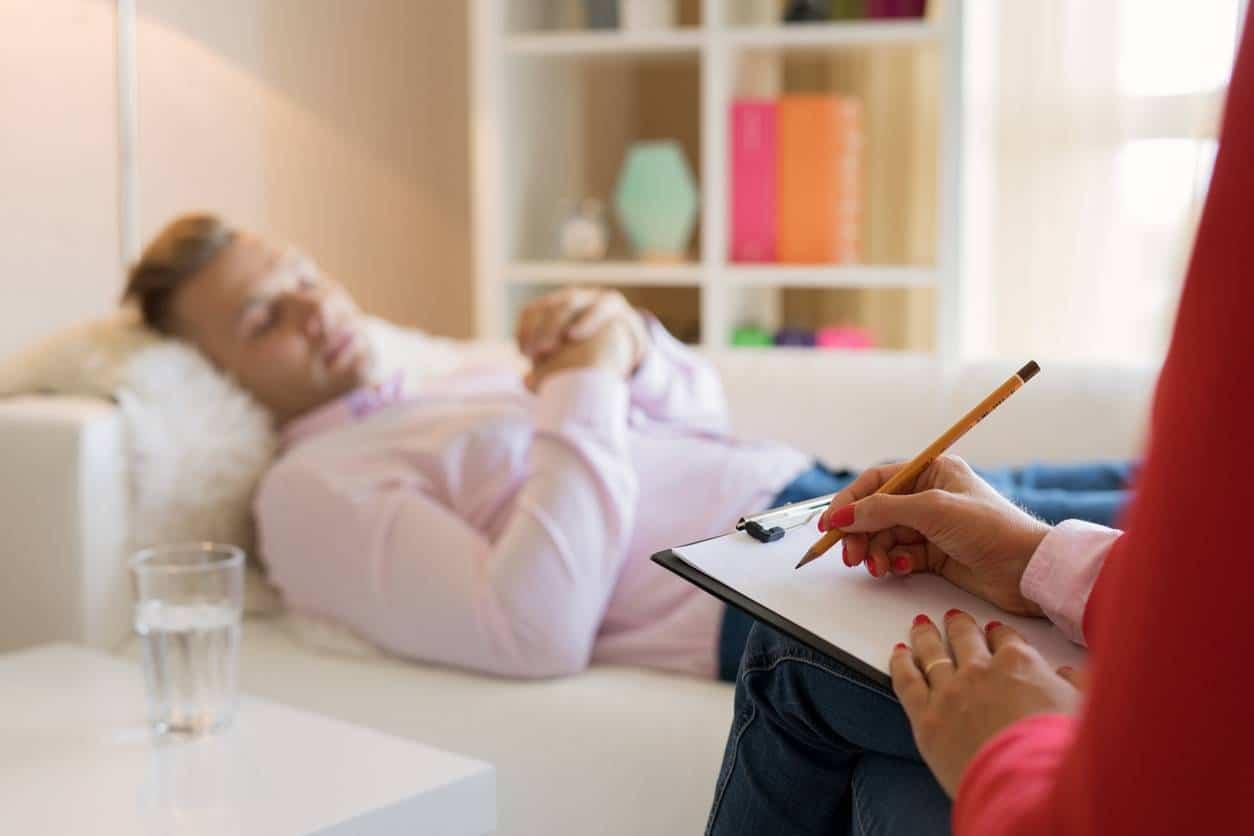 hypnose thérapeutique pour arrêter de grignoter
