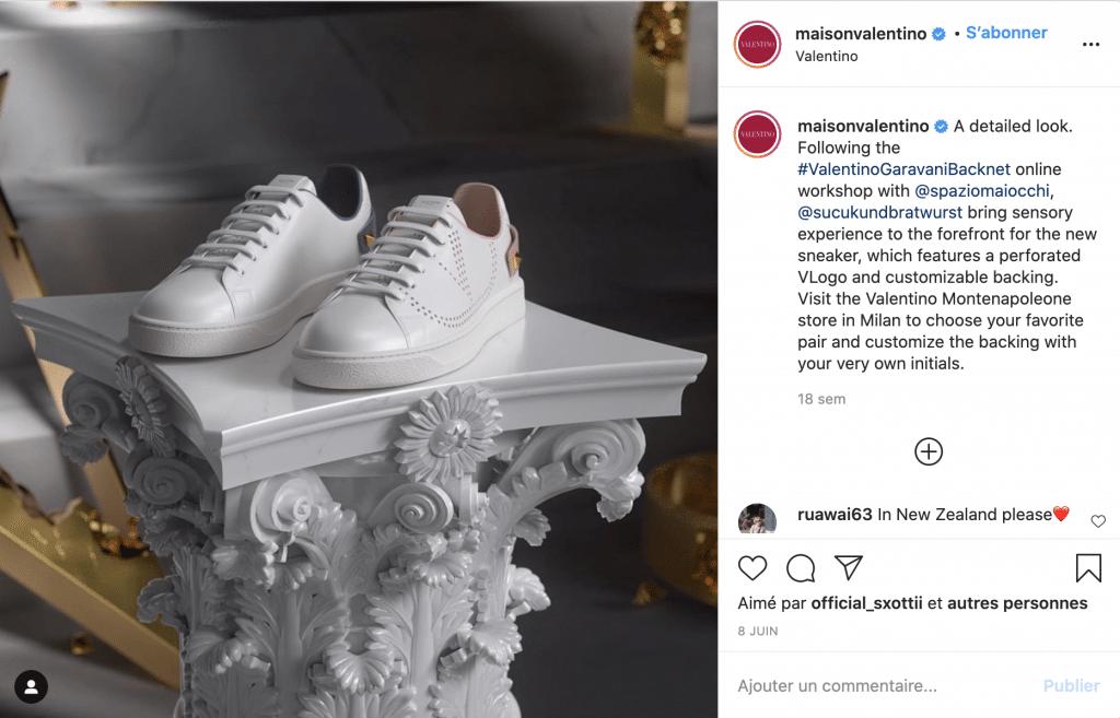 Maison Valentino baskets tendance de luxe blanches roses et grises à clous