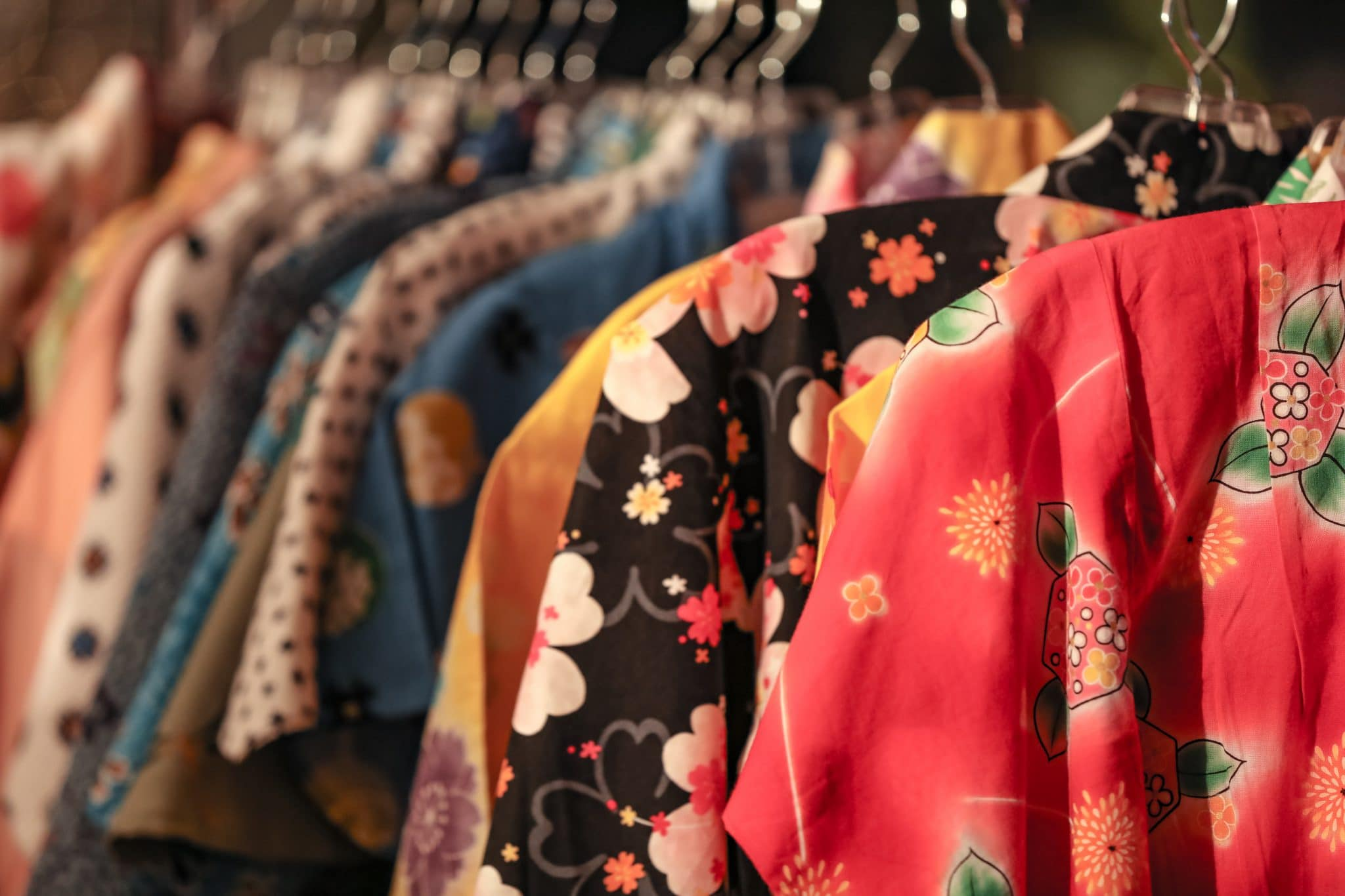 Être tendance en kimono : 3 looks à adopter