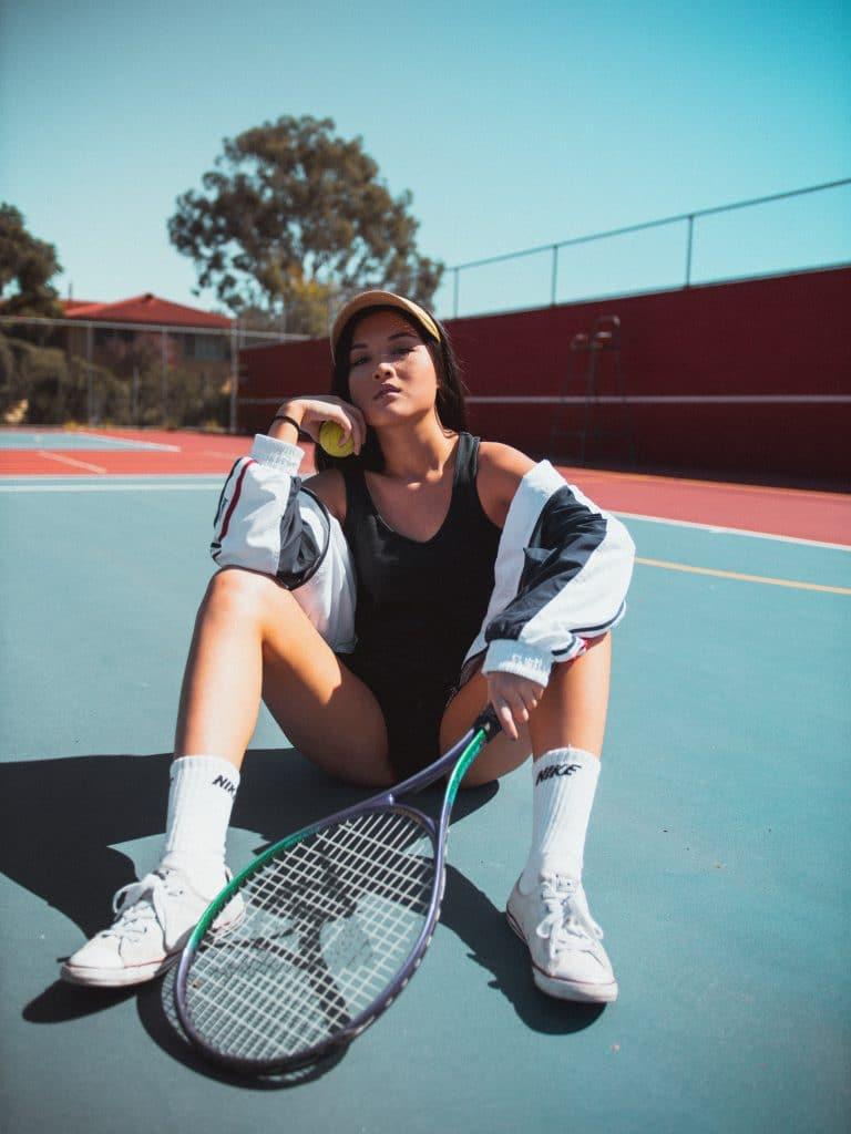 Les accessoires pour jouer au tennis avec style