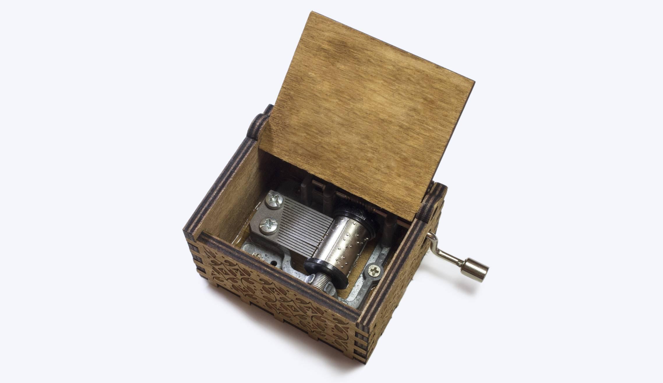 boîte à musique en bois à manivelle