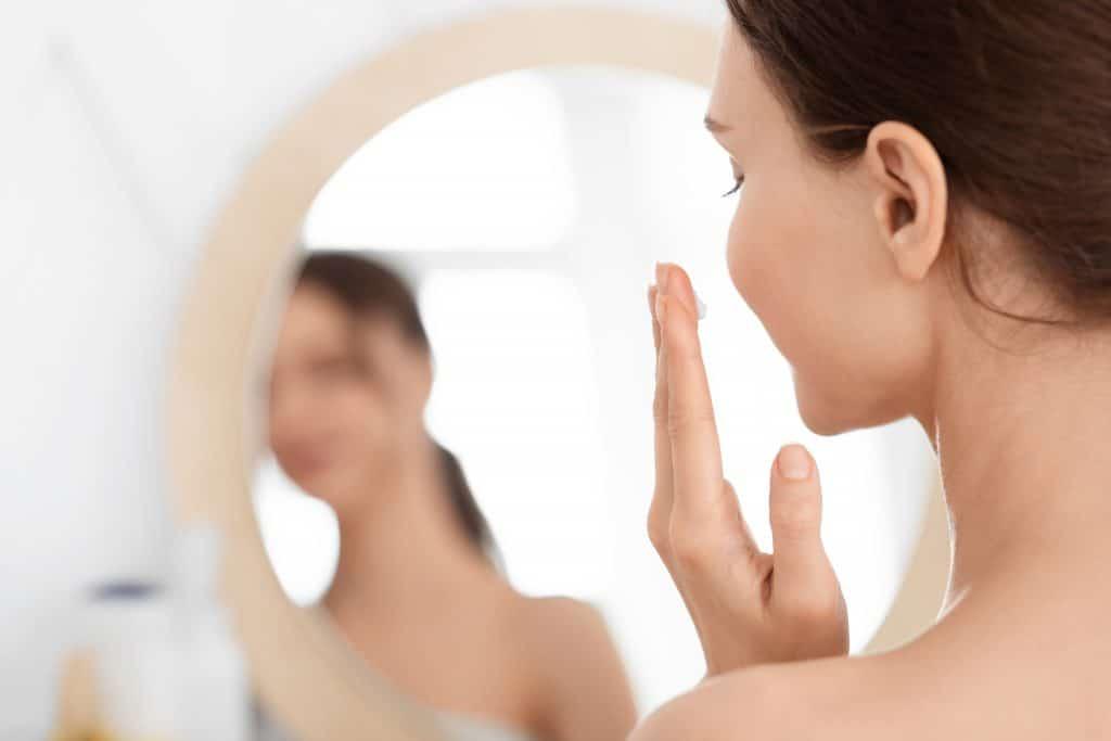 prendre soin de sa peau maquillage débutant quoi acheter