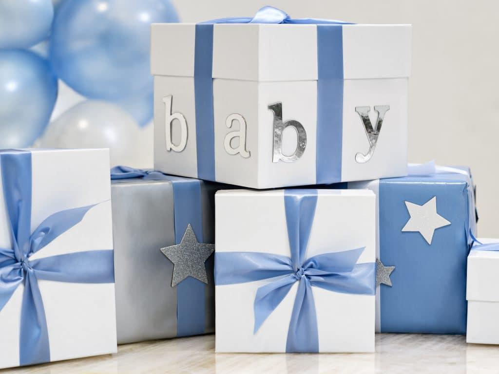 Surprendre le futur papa avec une box naissance
