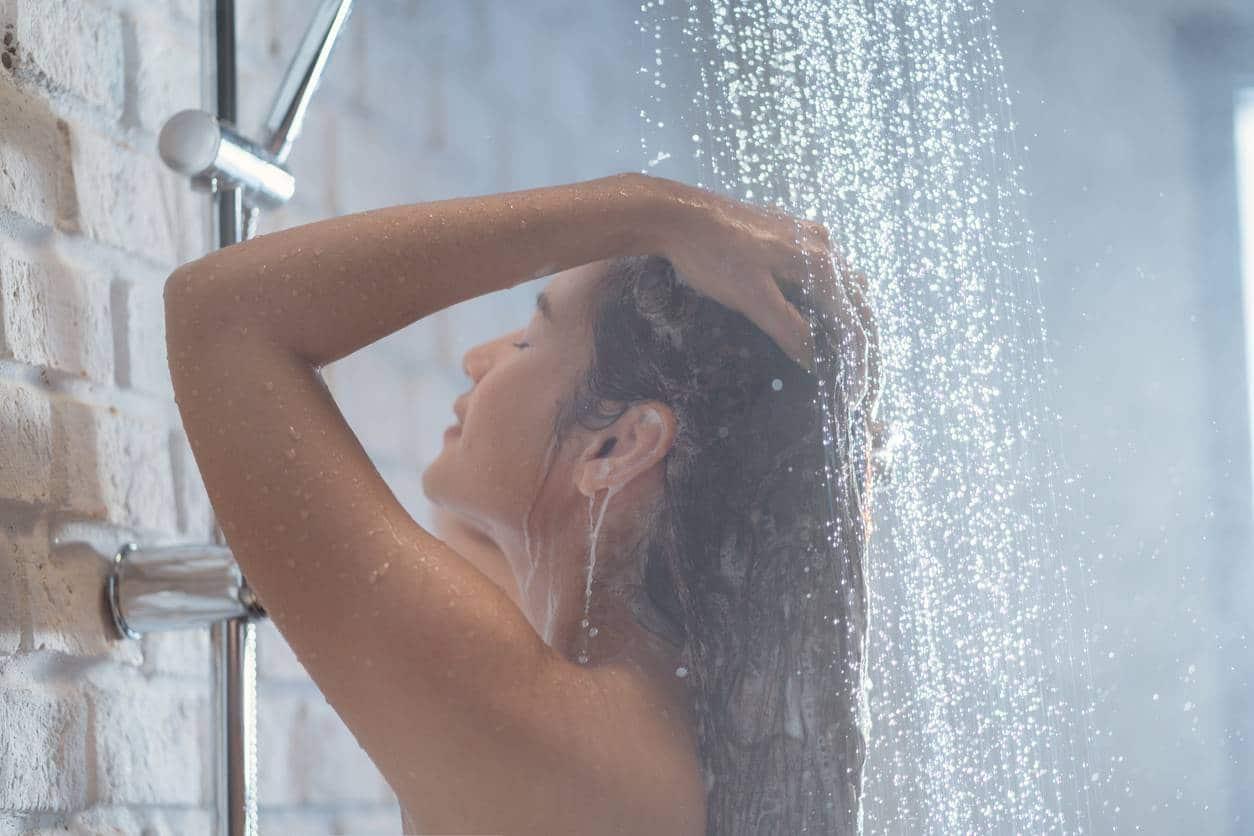 bien laver ses cheveux